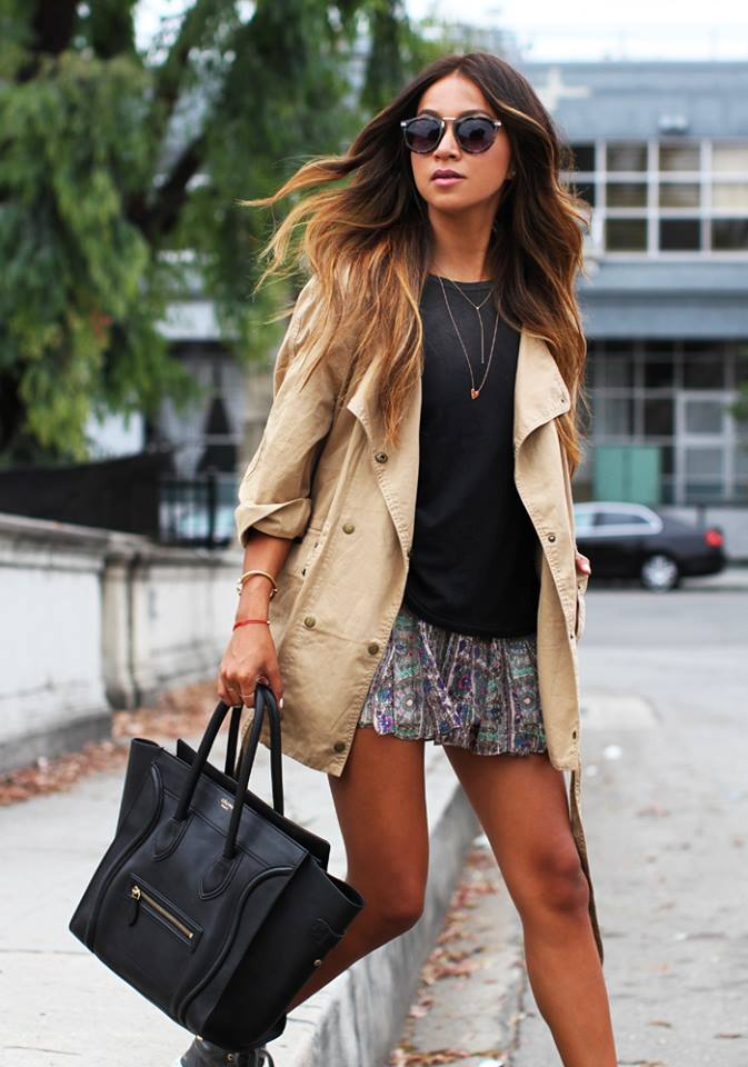 Untucked and layer it with a light trench coat. (Source: Sincerely Jules)